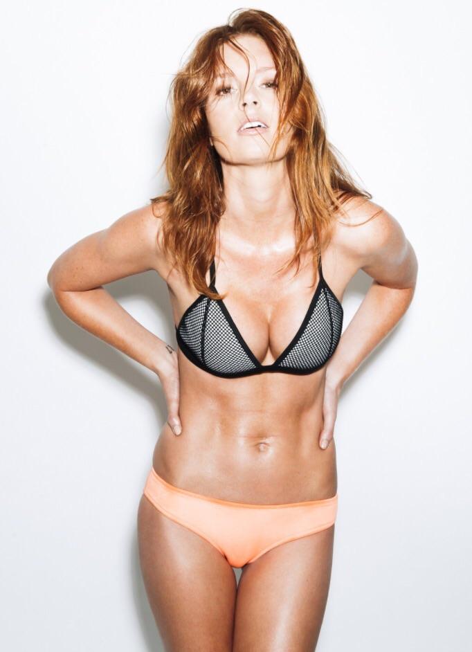 Female model photo shoot of Modelkat