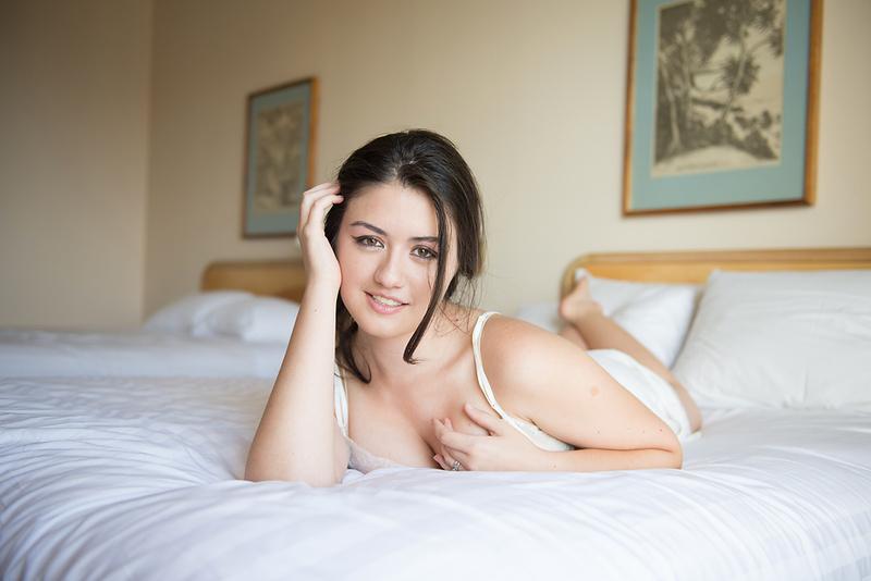 Female model photo shoot of Brett Loves Elle Photo and makanamai