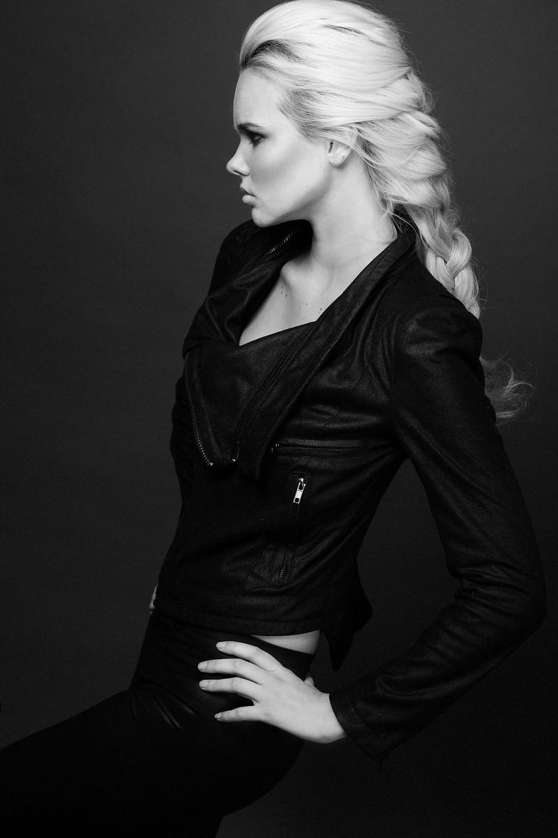 Female model photo shoot of Hayley Nicole