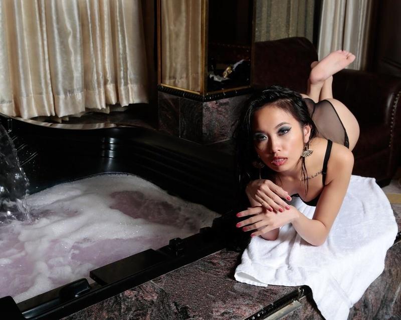 Female model photo shoot of Sweetzelle  by T Caperton Imaging