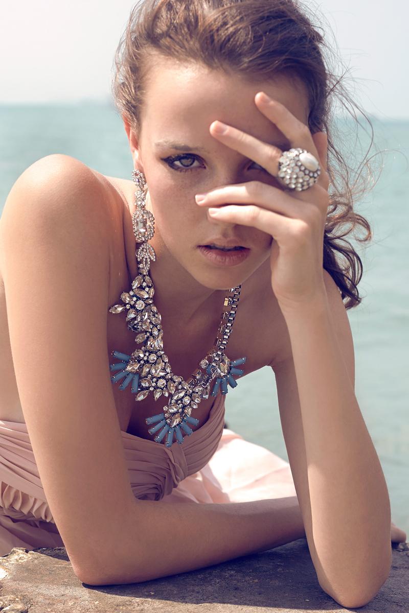 Female model photo shoot of makeupbyace