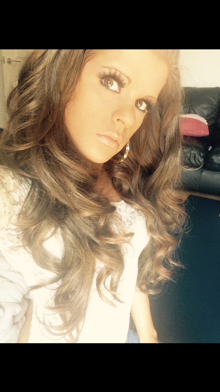Female model photo shoot of 16angel