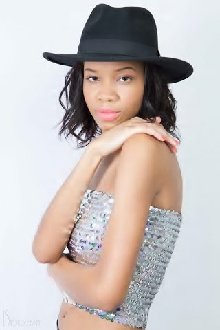 Female model photo shoot of Jay Ida