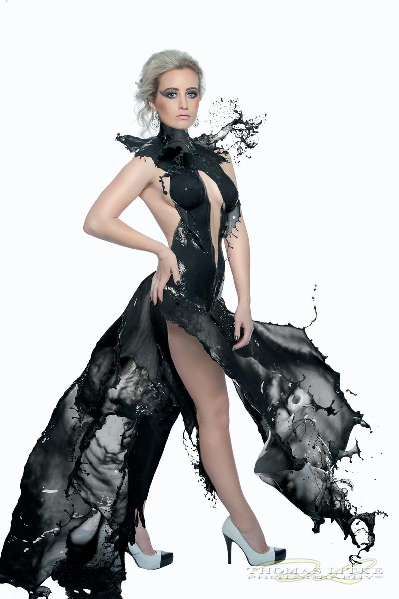 http://photos.modelmayhem.com/photos/150603/05/556ef0e70539c.jpg