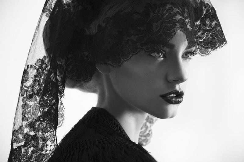 Female model photo shoot of Cassie Keller