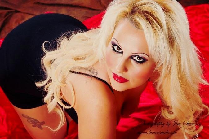 Female model photo shoot of Kat_leopard