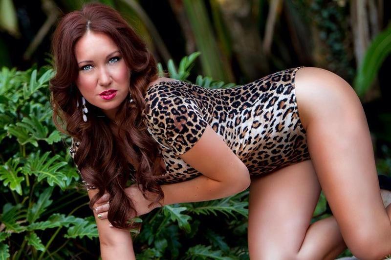 Female model photo shoot of   Leigh James