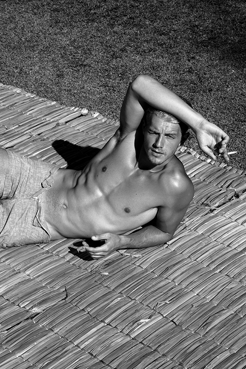 Male model photo shoot of Frans Dam