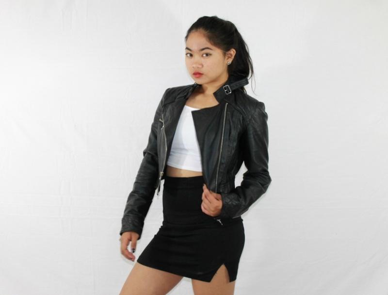 Female model photo shoot of antonettecharlene
