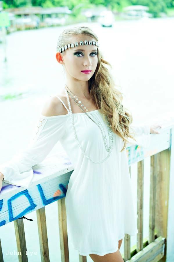 Female model photo shoot of CaitlinMichelleModel