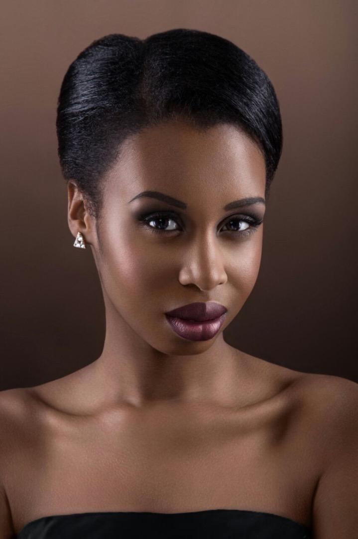 Female model photo shoot of Rianna Simmons