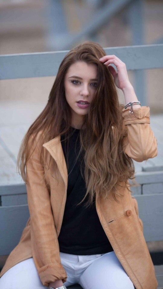 Female model photo shoot of Anastasiya Postnikova