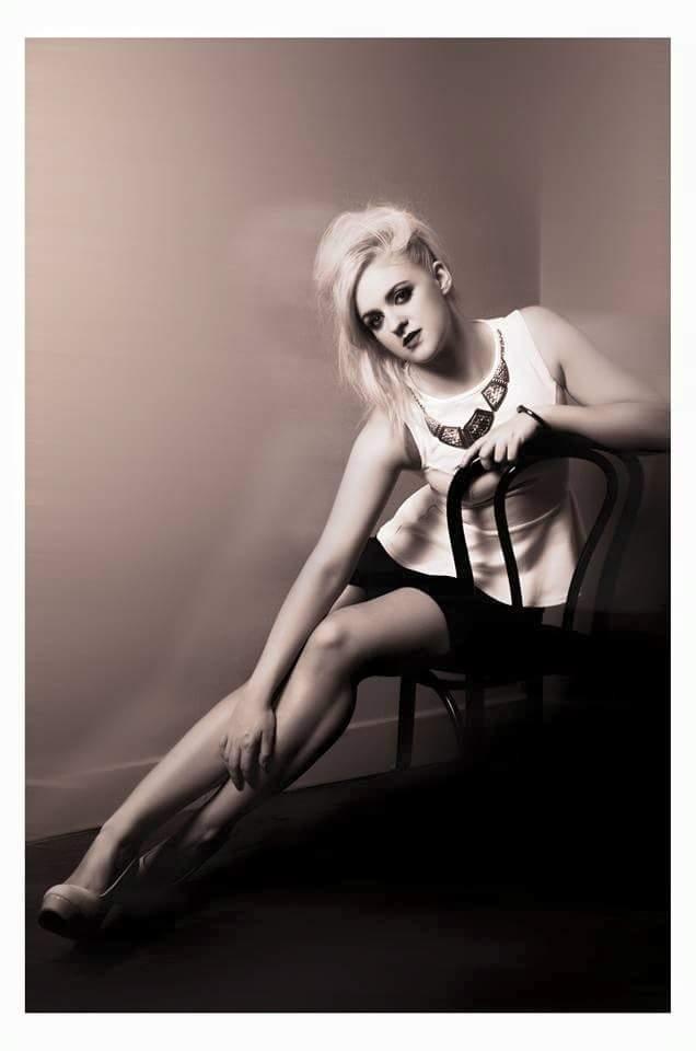 Female model photo shoot of JennaLou