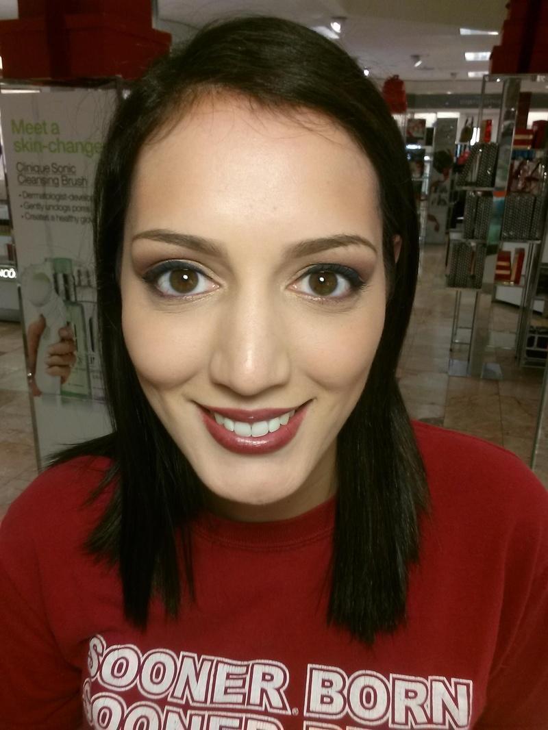 Female model photo shoot of Maybel Beauty