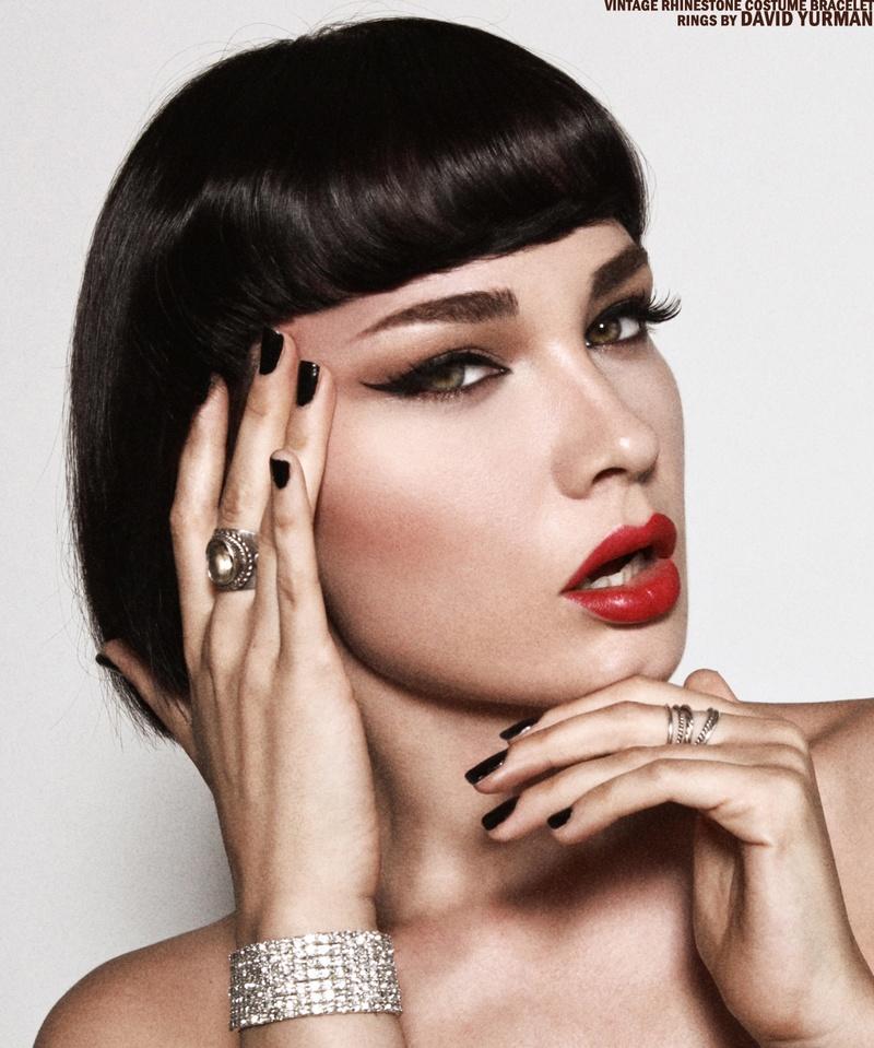Female model photo shoot of Sara Mohr
