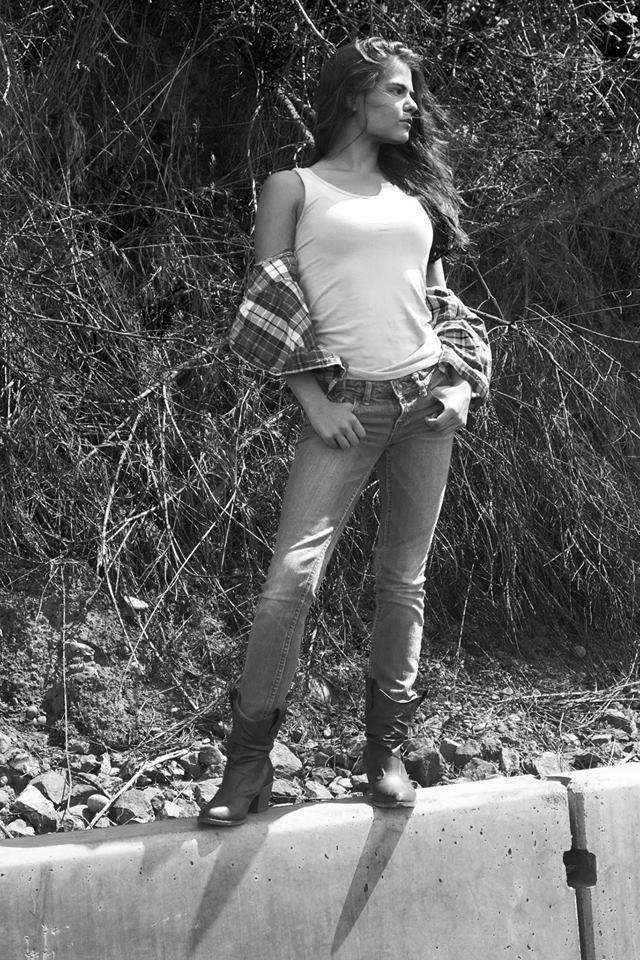 Female model photo shoot of sierranickell by DeShaun Washington in Edmonds, WA
