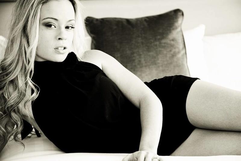 Female model photo shoot of Erin Catherine