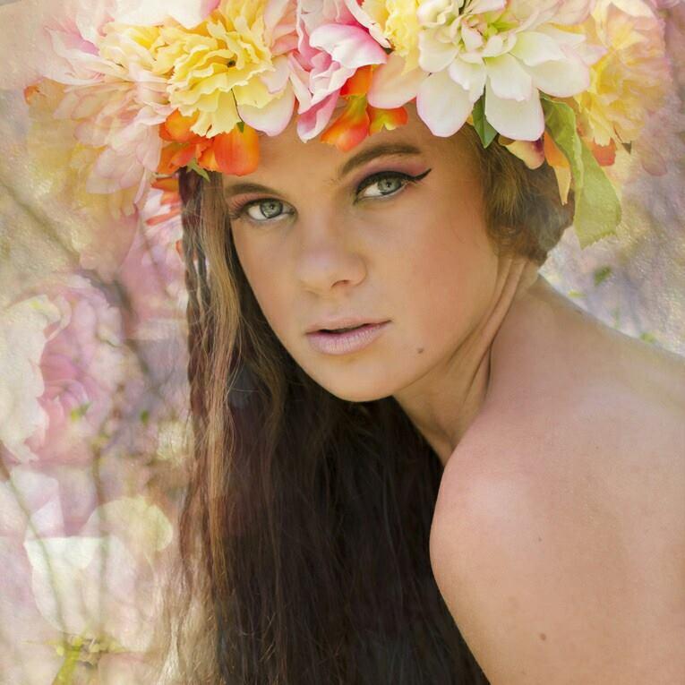 Female model photo shoot of Ishness