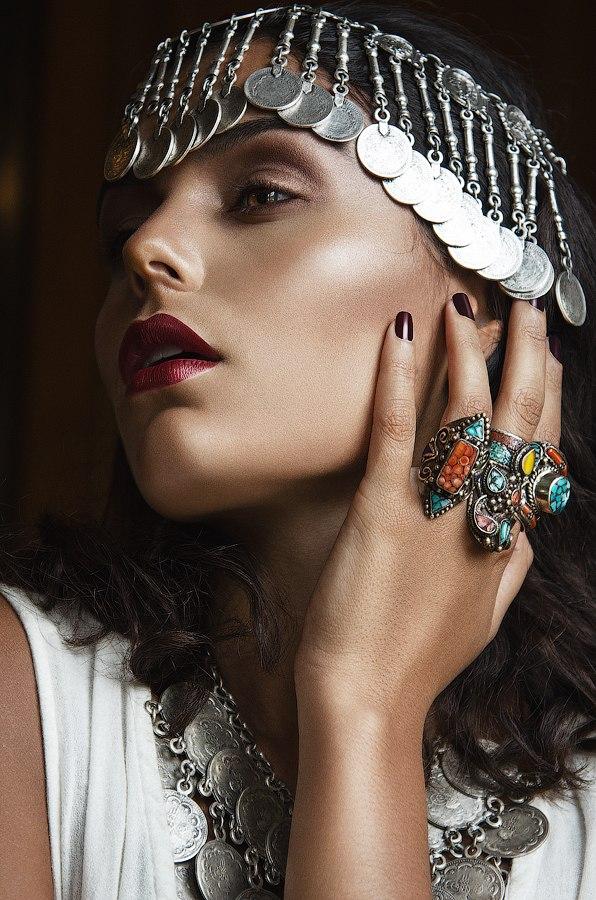 Female model photo shoot of Darya Ashianty by SMD-Photography