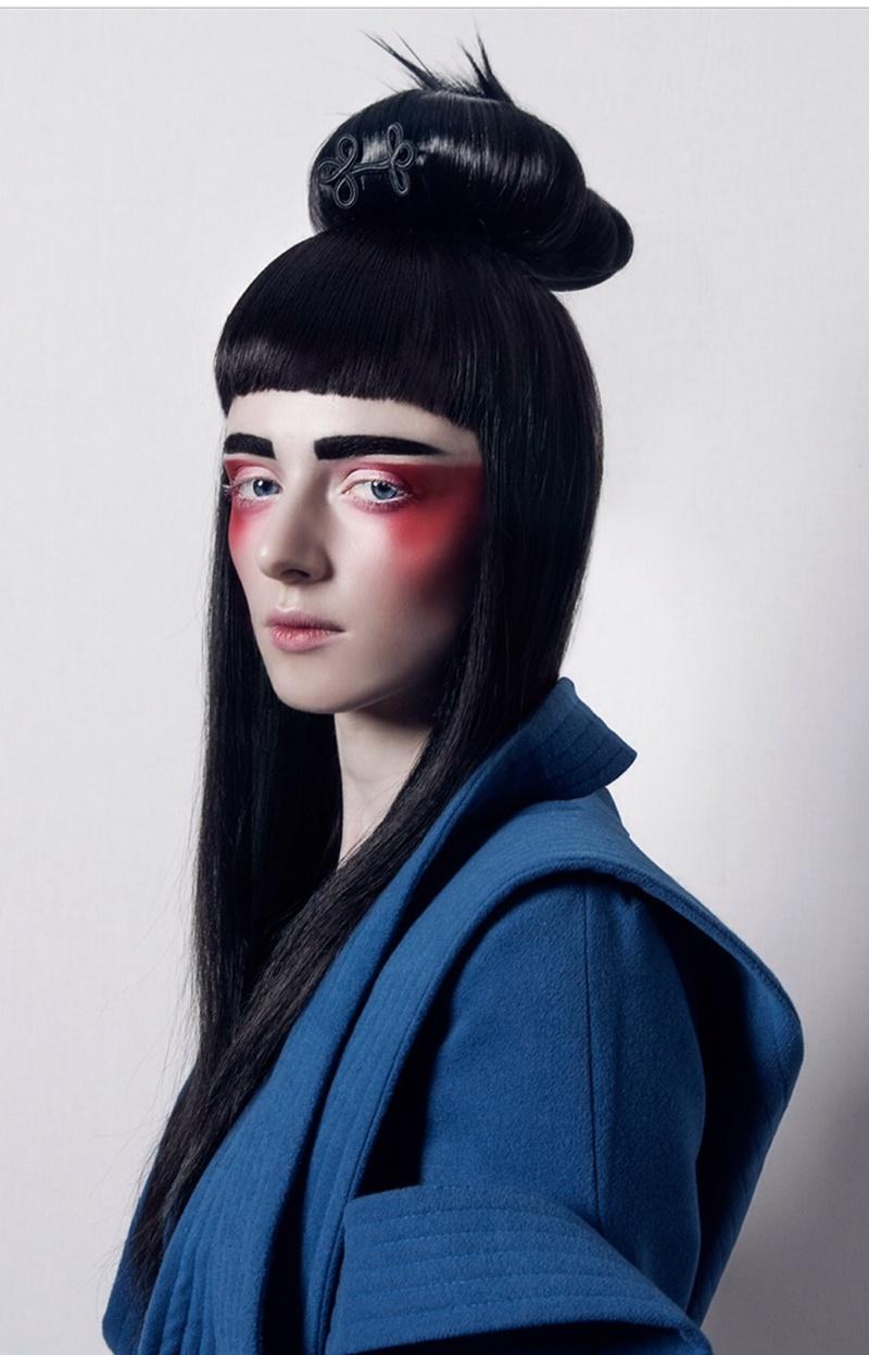 Female model photo shoot of Tee Elliott