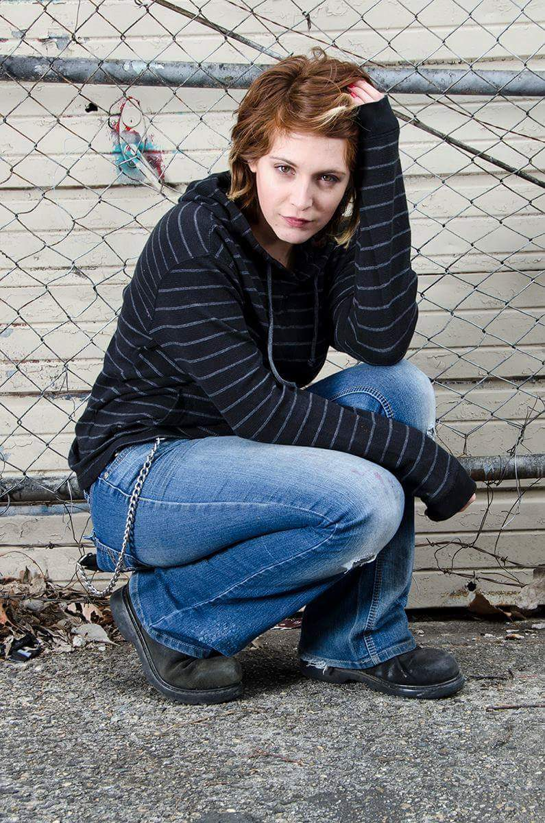 Female model photo shoot of Twen Peeks by chriswieland