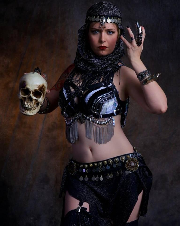 Female model photo shoot of Feanix