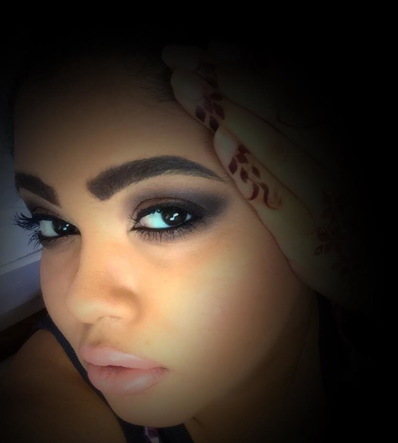 Female model photo shoot of Mizaj_AlMikyaj