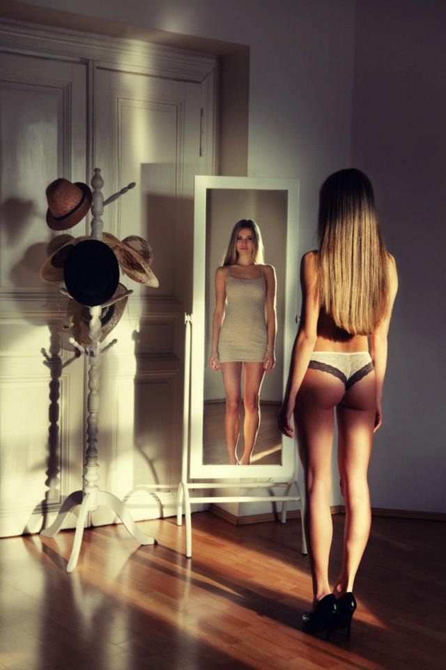 Female model photo shoot of denisa_