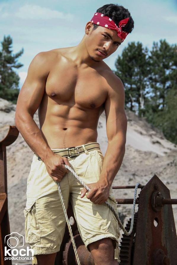Male model photo shoot of Miguel Omari