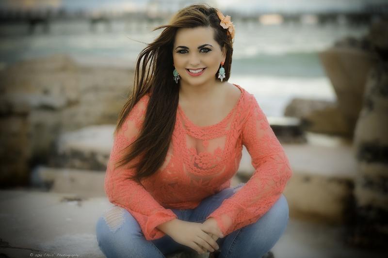 Dania Ramirez Cleavage Nude Photos 61
