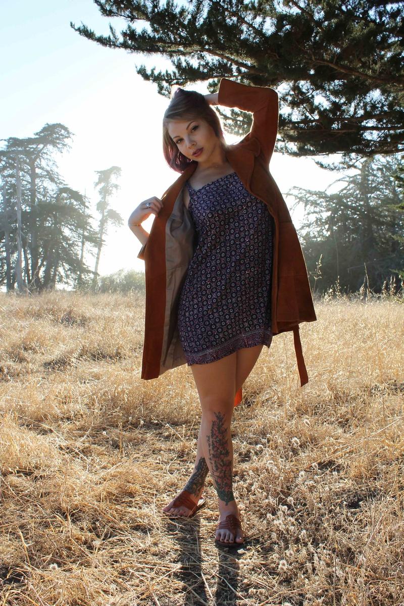 Female model photo shoot of JessieAnne