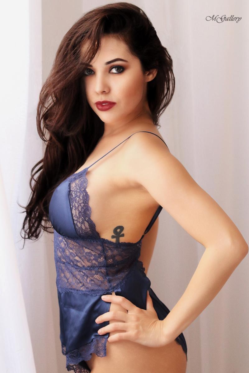 Female model photo shoot of Myla Fraga