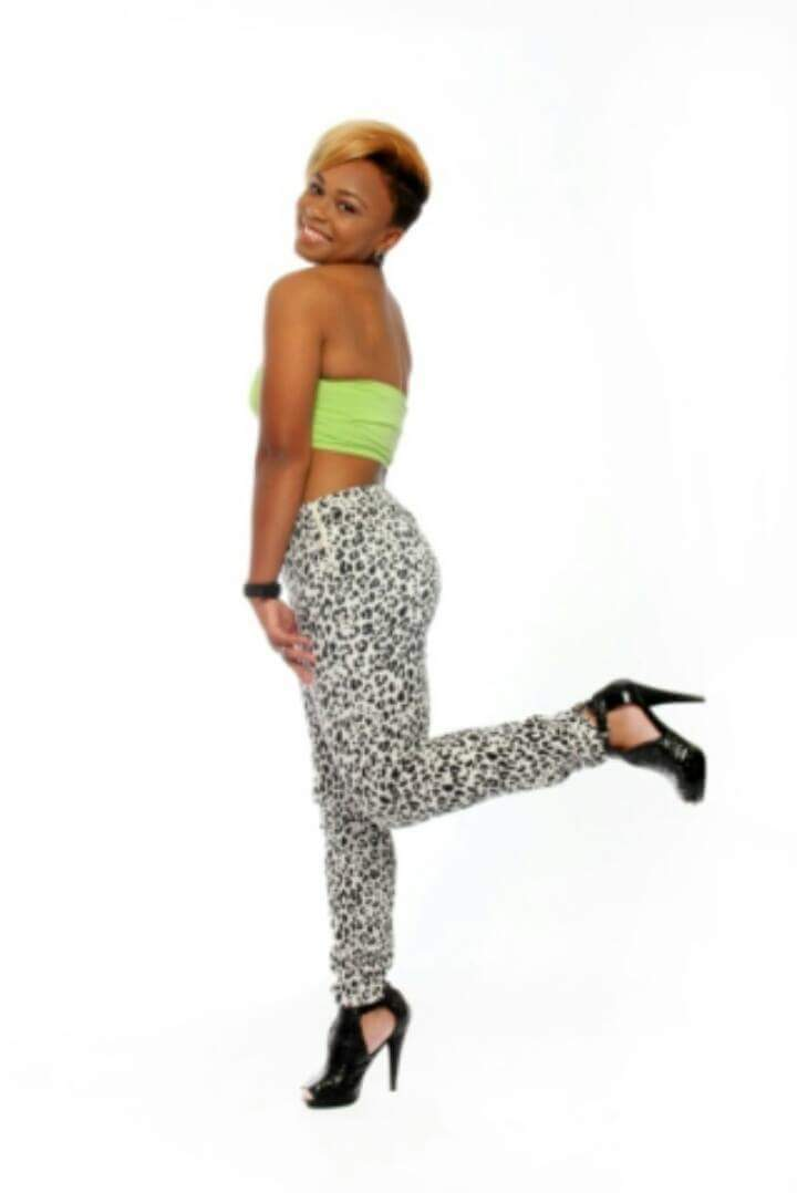 Female model photo shoot of Desiree carter