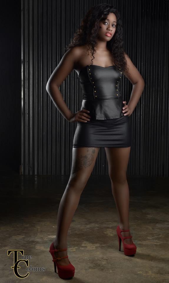 Female model photo shoot of Kiara Gulley