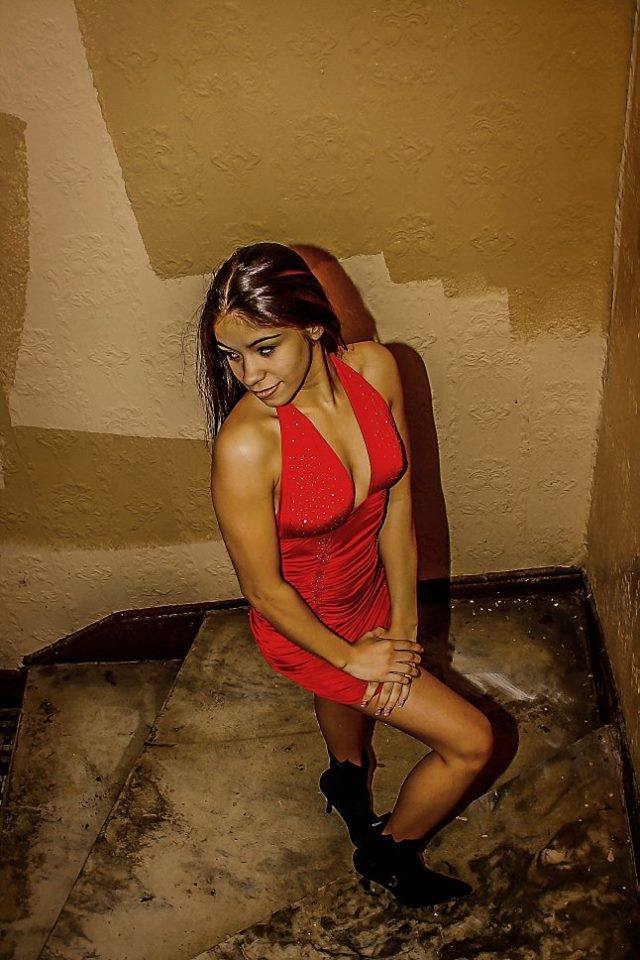 Female model photo shoot of Patsy_87