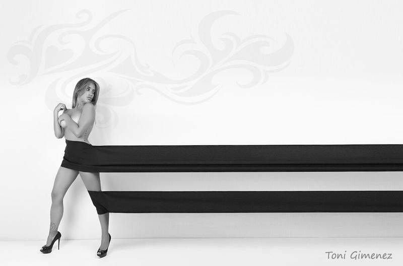 Female model photo shoot of Marta Gumi Barno