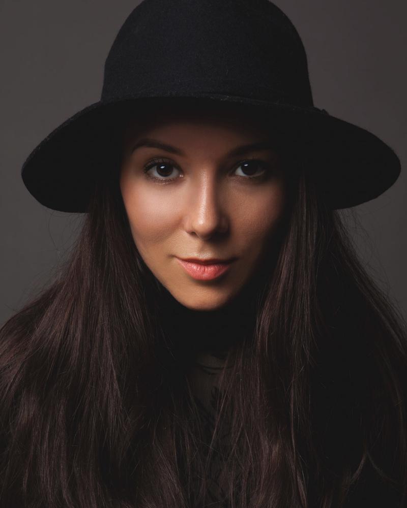 Female model photo shoot of Regina M