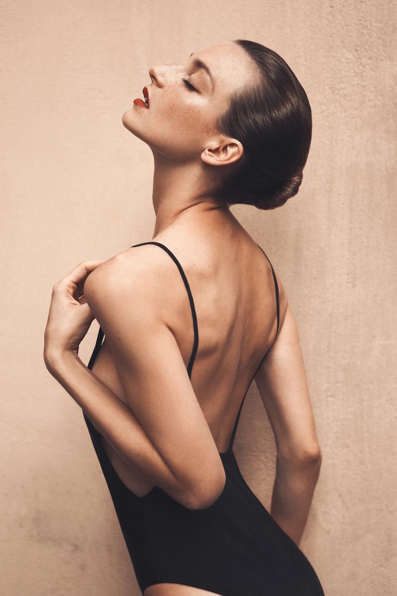 Female model photo shoot of Mary Art Model