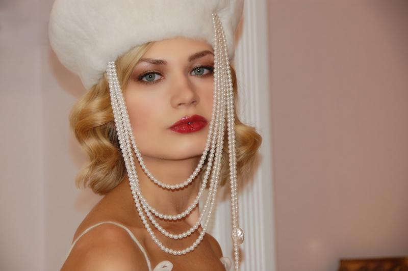 Female model photo shoot of EricaMilesBeauty