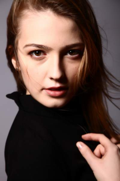 Female model photo shoot of karolinakaye