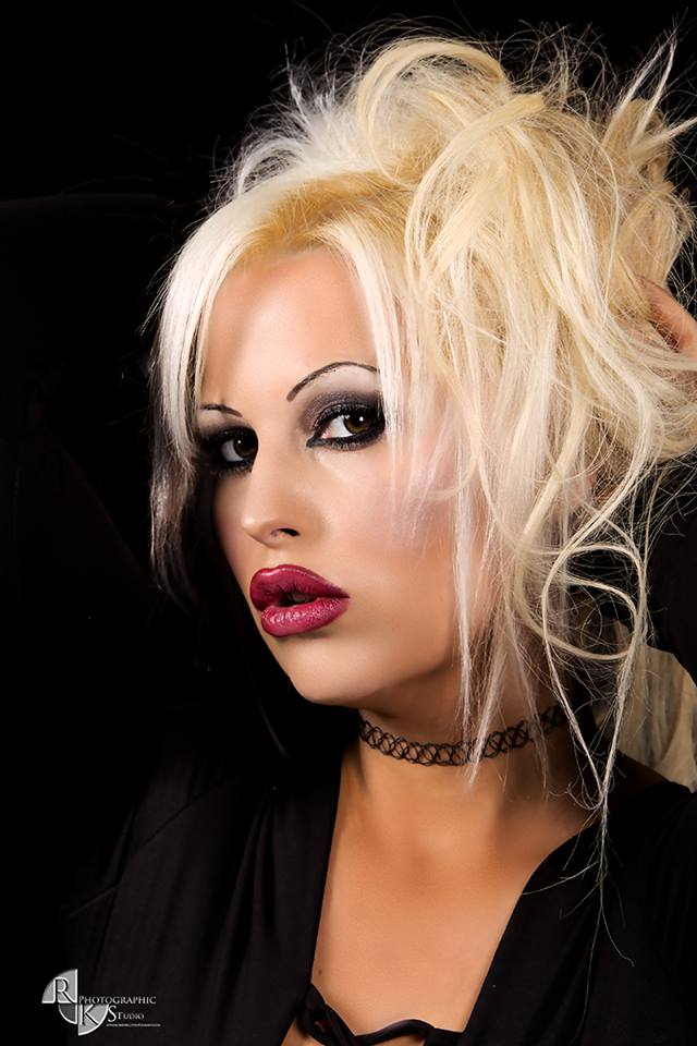 Female model photo shoot of Kat_leopard in Robert kelly Dublin studios