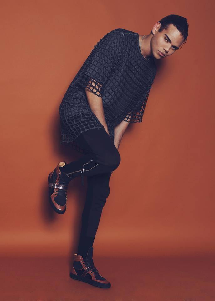 Male model photo shoot of Nate Ayman