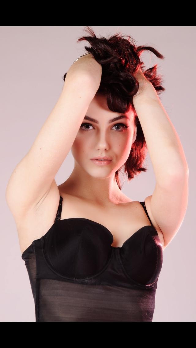 Female model photo shoot of Heather McColl