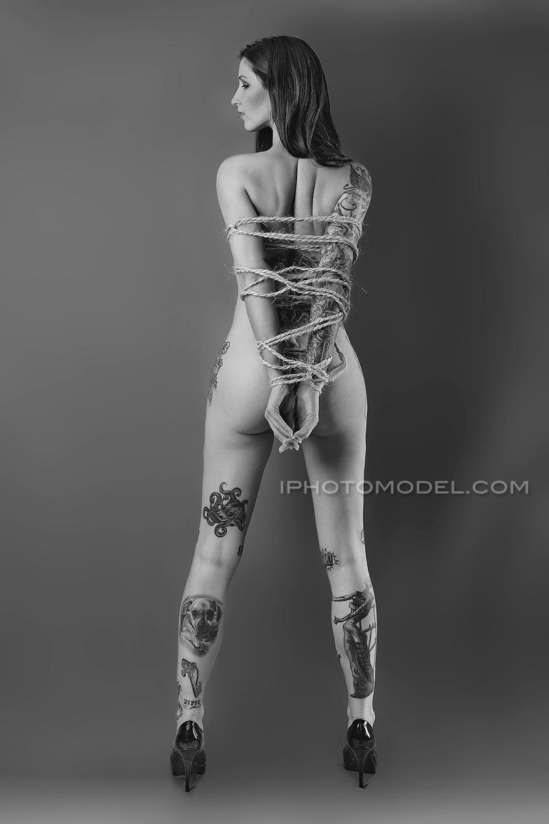 http://photos.modelmayhem.com/photos/160219/17/56c7bbc22a387.jpg