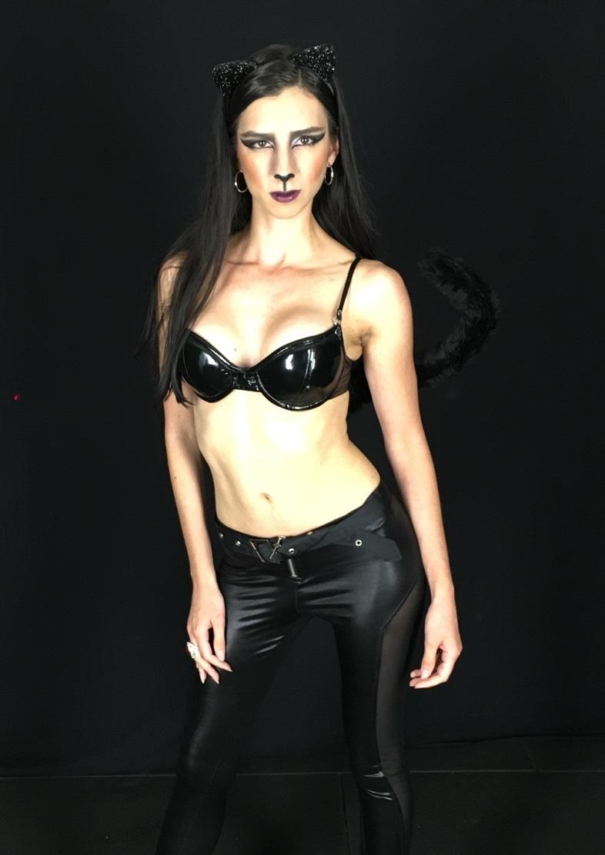 Female model photo shoot of Belinda Romero