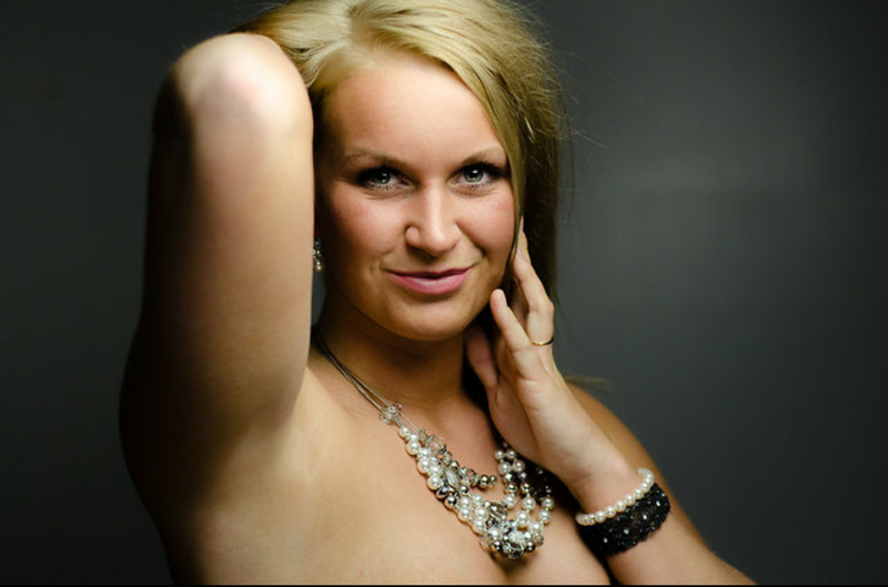Female model photo shoot of BrittanyJacobs