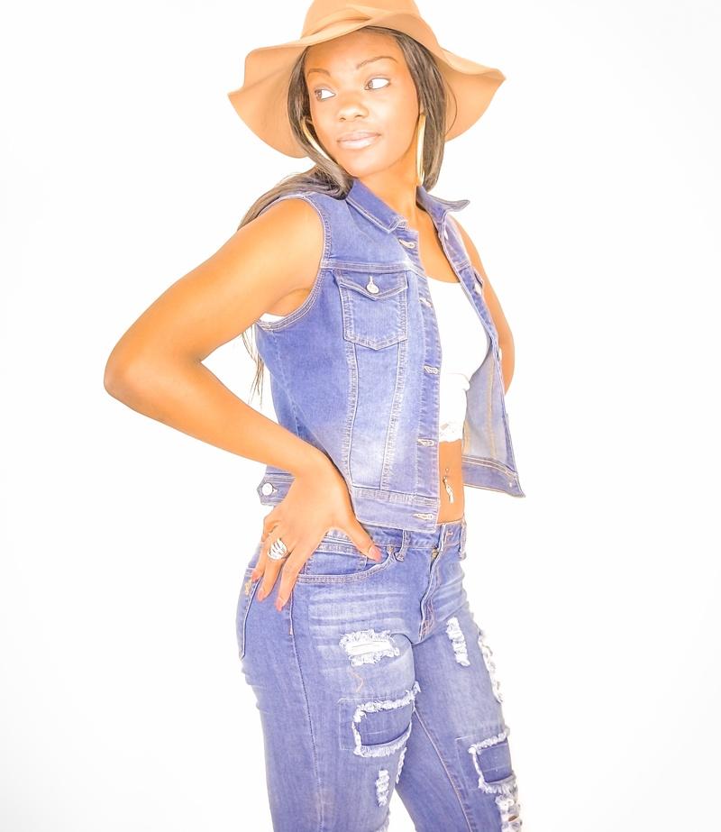 Female model photo shoot of LadiiJaii in Providence Rhode island
