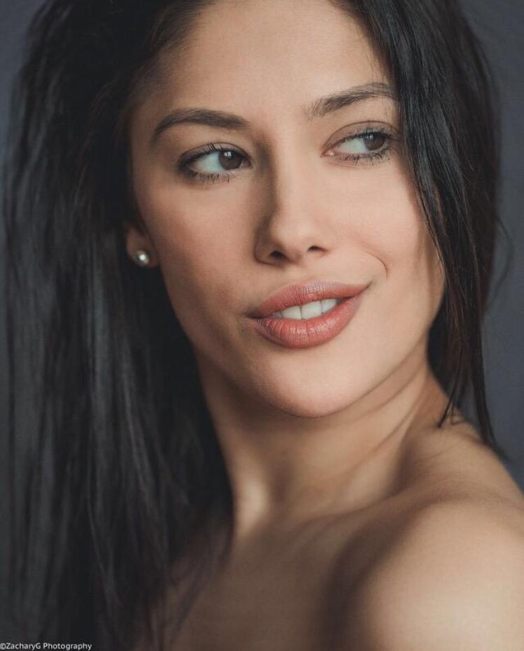 Female model photo shoot of Amanda Elina Rae by zgisterak