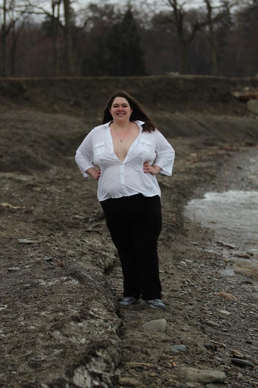 Female model photo shoot of heavyweath