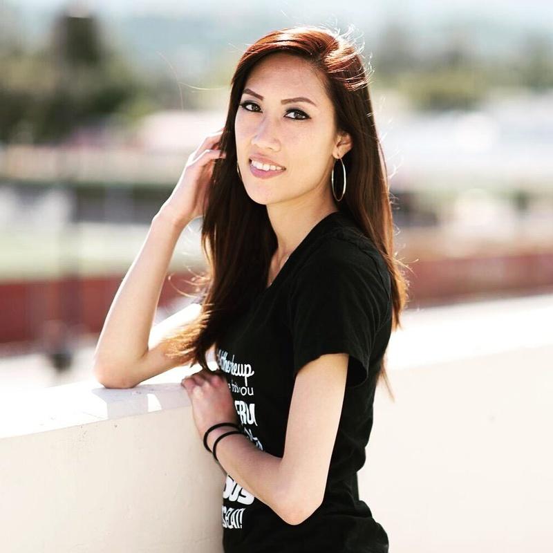 Female model photo shoot of Heyitspheebs